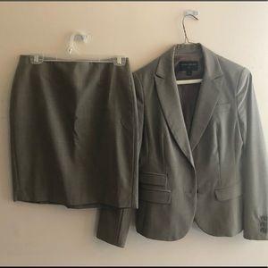 Business suit/skirt & jacket